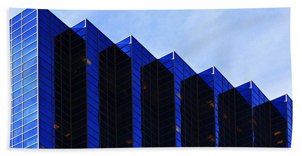 Architecture Bath Sheet featuring the photograph Jagged Sky Scraper by Marilyn Hunt