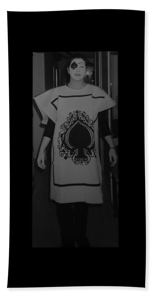 Ace Of Spades Bath Towel featuring the photograph Jen Of Spades by Rob Hans