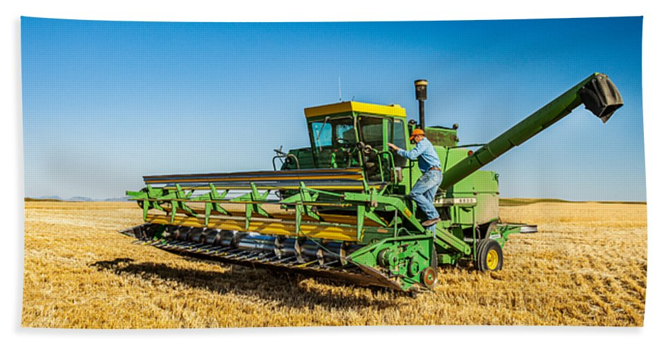 John Deere Hand Towel featuring the photograph John Deere 6600 by Todd Klassy