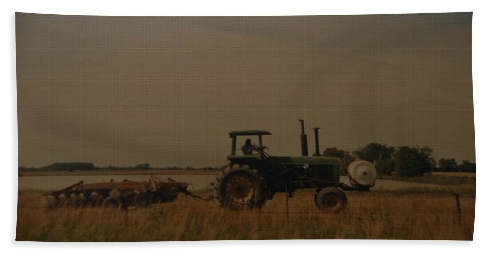 Arkansas Hand Towel featuring the photograph John Deere Arkansas by Rob Hans
