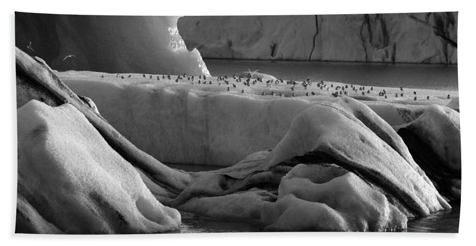 Bird Bath Sheet featuring the photograph Jokulsarlon Glacier Lagoon Iceland 1920 by Bob Neiman