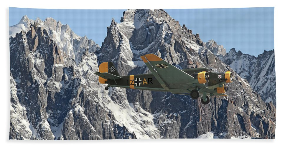 Aircraft Hand Towel featuring the photograph Ju52 - Lutwaffe Stalwart by Pat Speirs