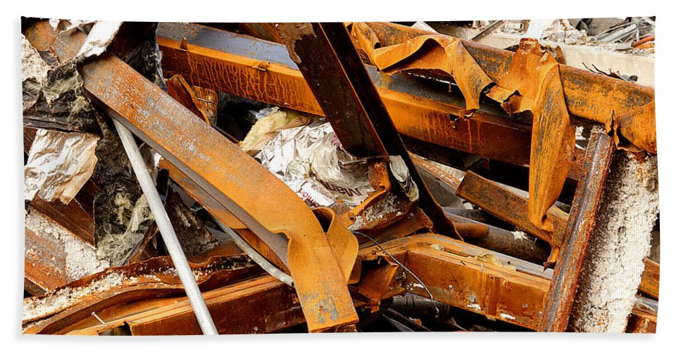 Steel Hand Towel featuring the photograph Jumbled Steel by Jean Macaluso