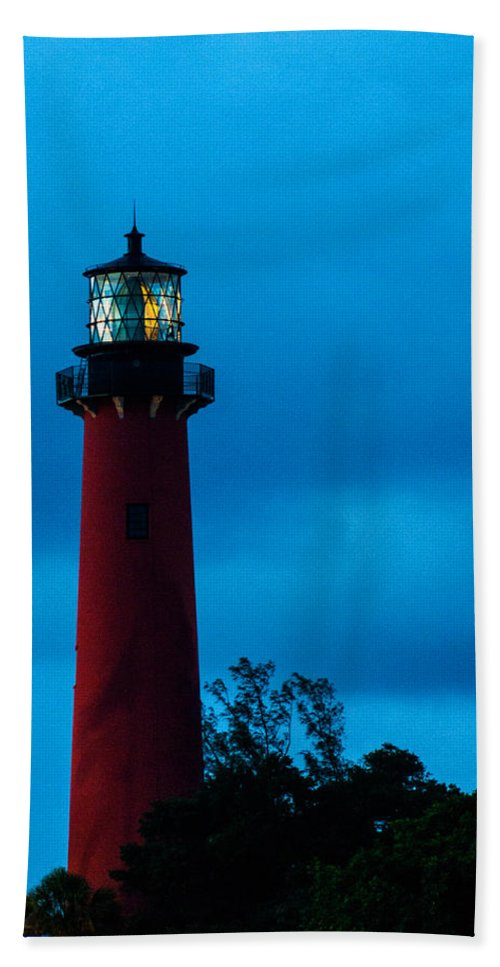 Jupiter Lighthouse Bath Sheet featuring the photograph Jupiter Lighthouse by Maria Keady