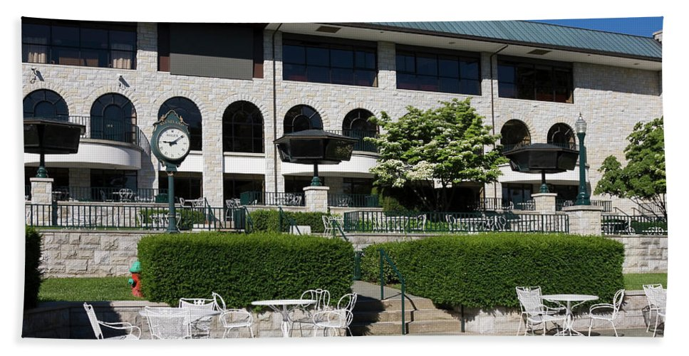 Keeneland Racetrack Hand Towel featuring the photograph Keeneland Racetrack Grandstand by Sally Weigand