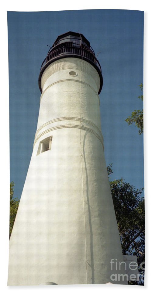 Lighthouses Hand Towel featuring the photograph Key West Lighthouse by Richard Rizzo