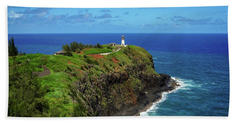 Landscape Bath Sheet featuring the photograph Kilauea Lighthouse by James Eddy