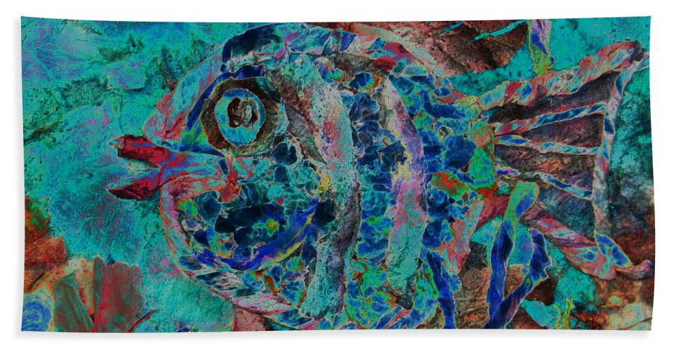 Fish Hand Towel featuring the mixed media Kiss Me by Sue Duda