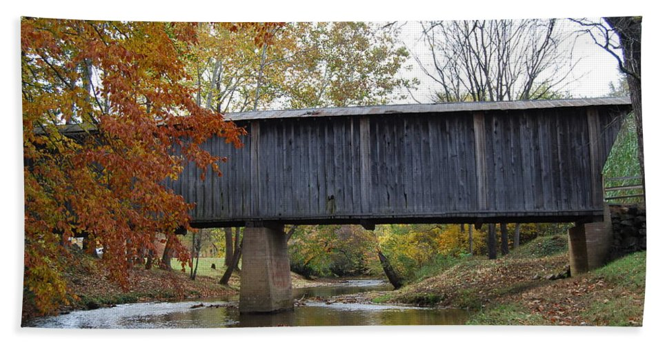 Landscape Hand Towel featuring the photograph Kissing Bridge At Fall by Eric Liller