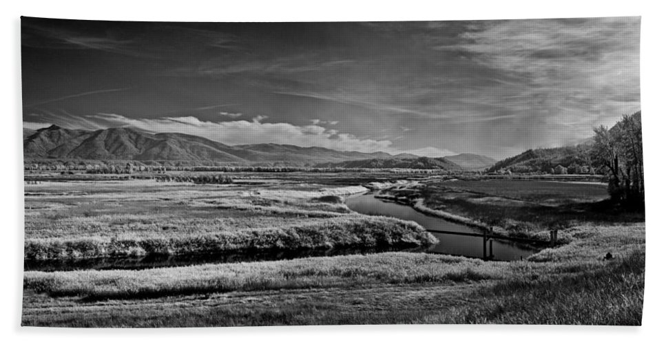 B&w Bath Sheet featuring the photograph Kootenai Wildlife Refuge In Infrared 1 by Lee Santa