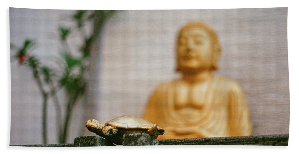 Turtle Hand Towel featuring the photograph Kura-kura by Briana M