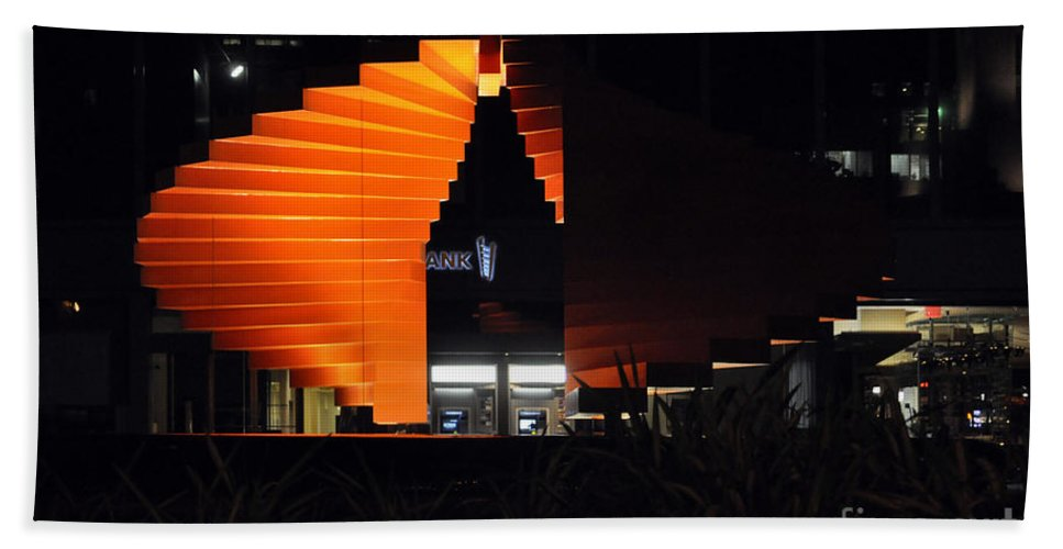 Clay Hand Towel featuring the photograph L.a. Nights by Clayton Bruster