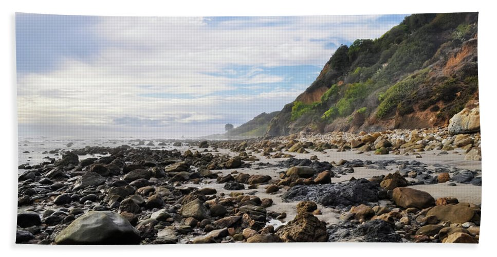 La Piedra State Beach Hand Towel featuring the photograph La Piedra Shore Malibu Dusk by Kyle Hanson