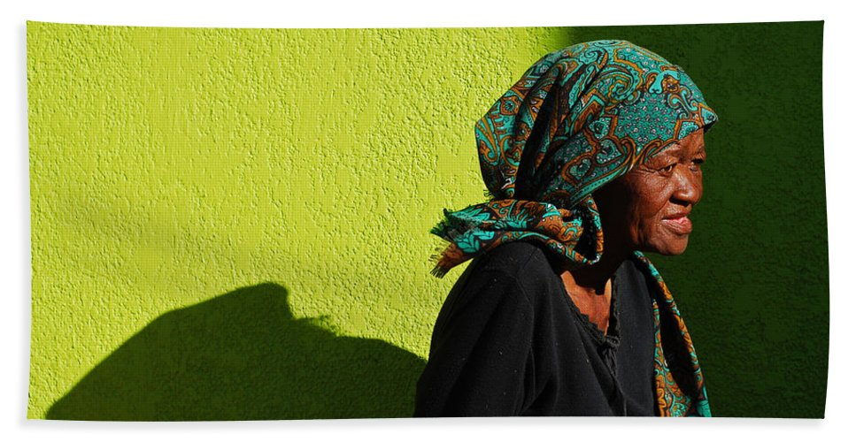 Africa Hand Towel featuring the photograph Lady In Green by Skip Hunt