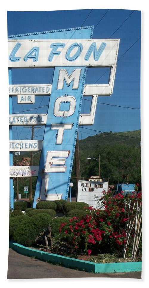 Vintage Motel Signs Bath Towel featuring the photograph Lafon Motel by Anita Burgermeister