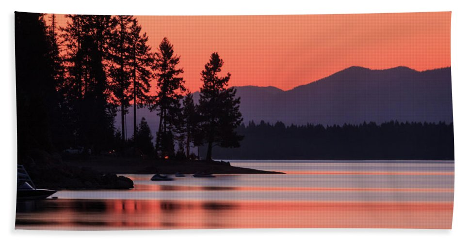 Landscape Bath Sheet featuring the photograph Lake Almanor Twilight by James Eddy