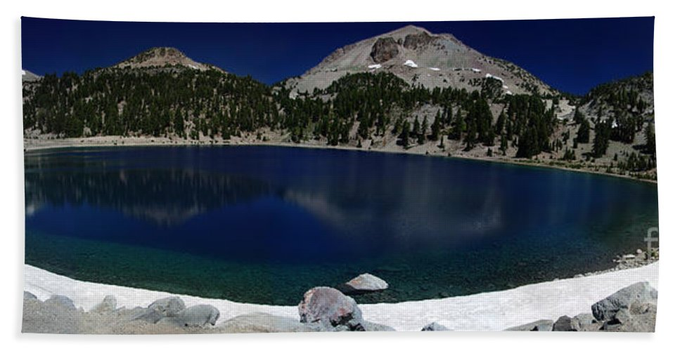 Mirror Hand Towel featuring the photograph Lake Helen Lassen by Peter Piatt