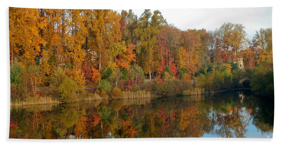 Fall Bath Sheet featuring the photograph Lake Helene And Fall Foliage by Thomas Marchessault
