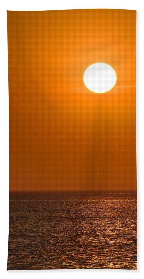 Chicago Bath Sheet featuring the photograph Lake Michigan Sunrise Chicago by Steve Gadomski