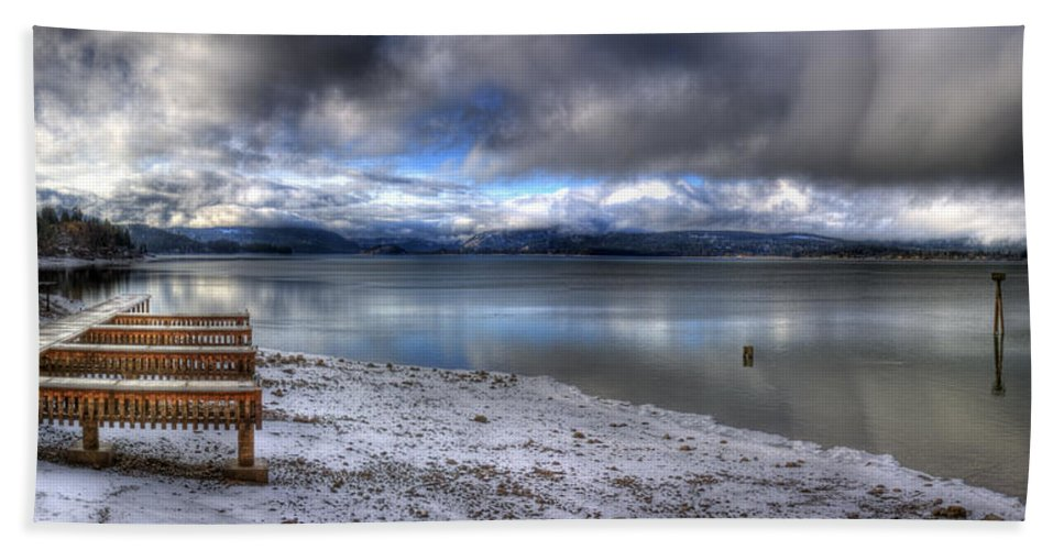 Landscape Hand Towel featuring the photograph Lake Pend D'oreille At 41 South by Lee Santa