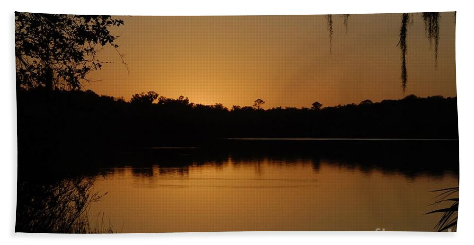 Lake Hand Towel featuring the photograph Lake Reflections by David Lee Thompson