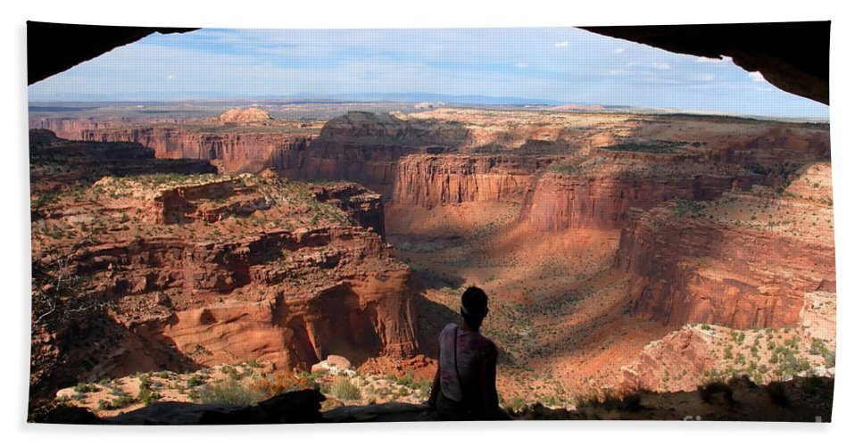Canyon Lands National Park Utah Hand Towel featuring the photograph Land Of Canyons by David Lee Thompson