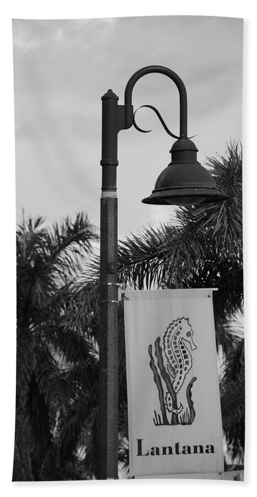 Black And White Bath Sheet featuring the photograph Lantana Lamp Post by Rob Hans