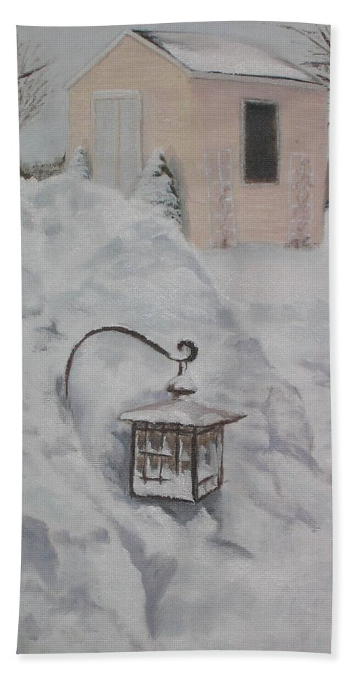 Snow Bath Sheet featuring the painting Lantern In The Snow by Lea Novak
