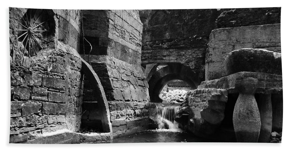 Skip Hunt Hand Towel featuring the photograph Las Pozas 1 by Skip Hunt