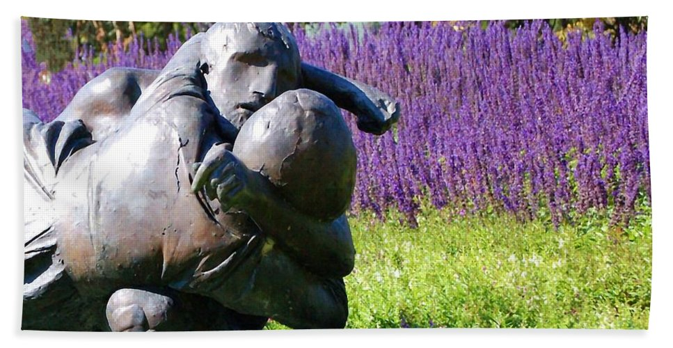 Statue Hand Towel featuring the photograph Lavender Lovers by Debbi Granruth