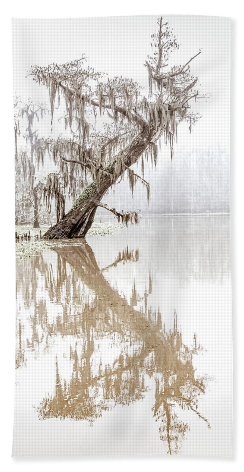 Louisiana Bath Sheet featuring the photograph Leaning In by Andy Crawford