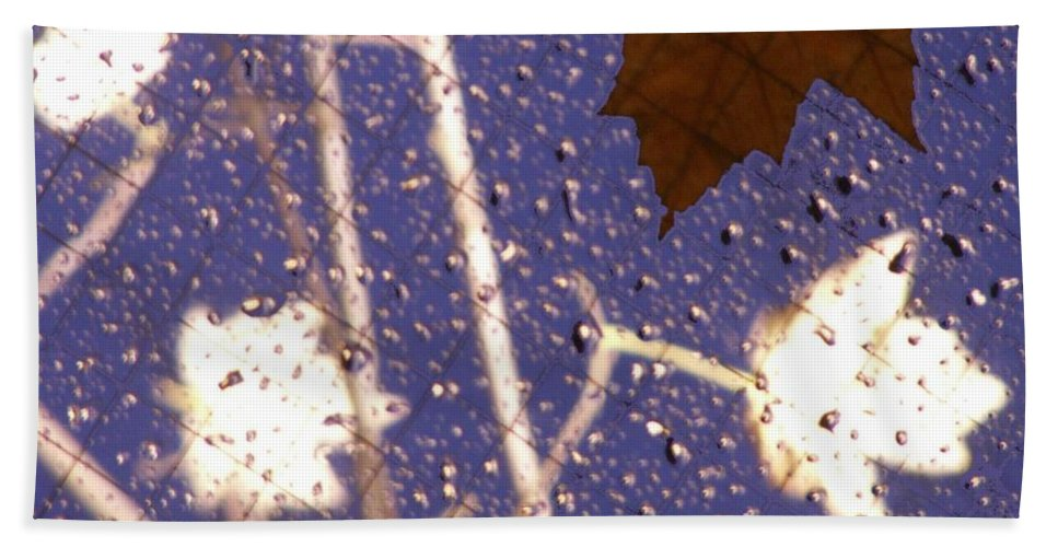 Leaves Bath Towel featuring the photograph Leaves And Rain 2 by Tim Allen
