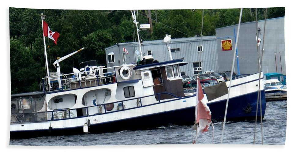 Boat Bath Towel featuring the photograph Leaving Harbor by Ian MacDonald