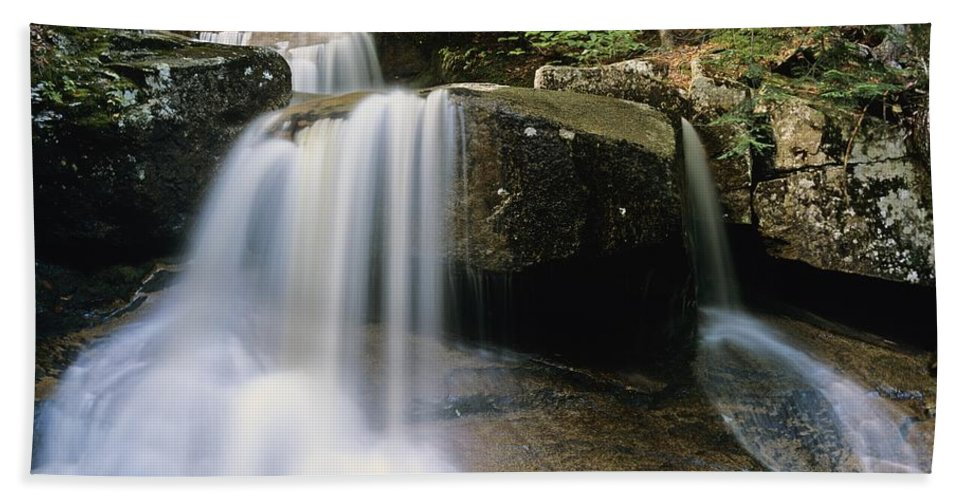 Wilderness Bath Towel featuring the photograph Ledge Brook - White Mountains New Hampshire Usa by Erin Paul Donovan