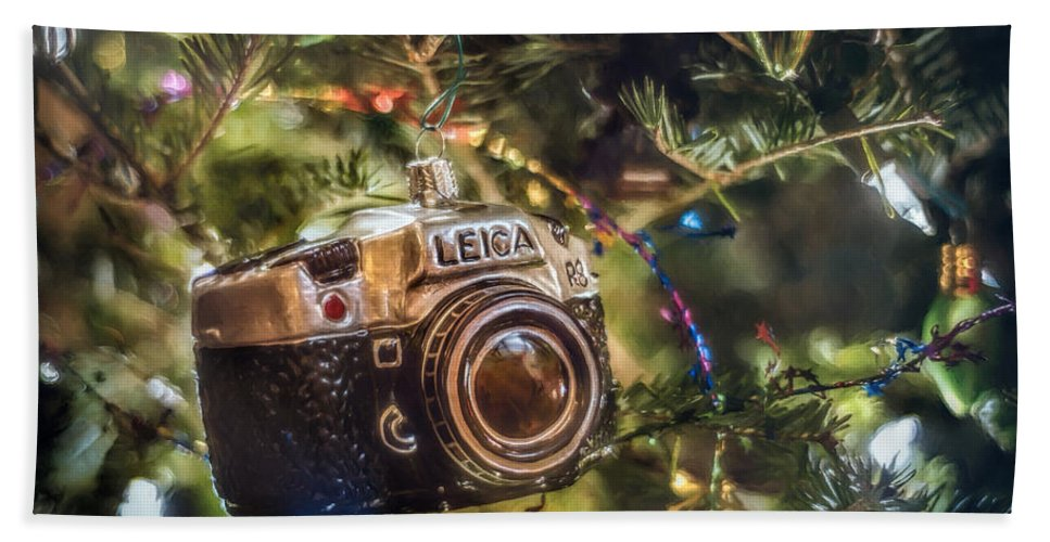 Scott Norris Photography. Christmas Tree Bath Towel featuring the photograph Leica Christmas by Scott Norris