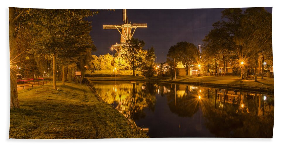 Windmill Bath Sheet featuring the photograph Leiden Windmill By Night by Frans Blok
