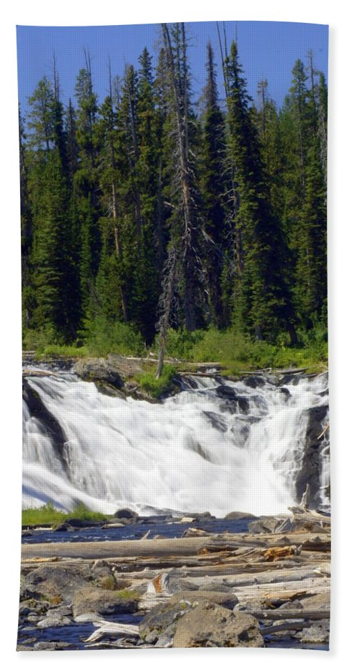 Lewis Falls Bath Sheet featuring the photograph Lewis Falls by Marty Koch
