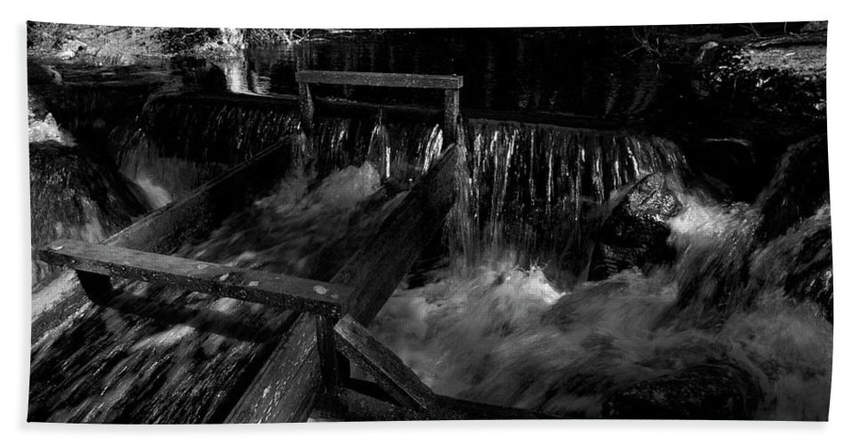 Lehtokukka Hand Towel featuring the photograph Liesijoki In Bw by Jouko Lehto