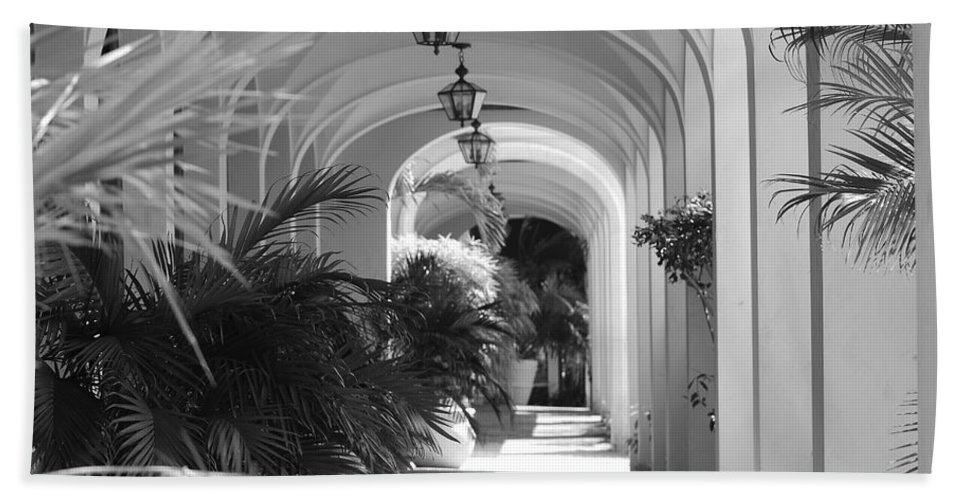 Architecture Bath Towel featuring the photograph Lighted Arches by Rob Hans