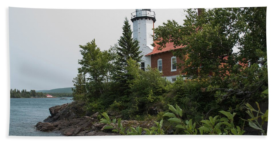 Lighthouse Bath Sheet featuring the photograph Lighthouse 4 by Wesley Farnsworth