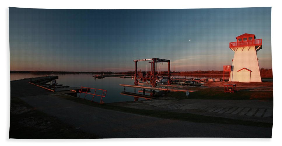 Lighthouse Hand Towel featuring the digital art Lighthouse And Marina At Hecla In Manitoba by Mark Duffy