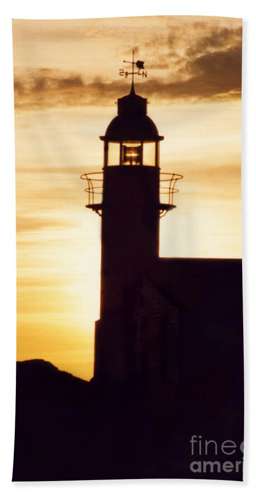 Serene Bath Sheet featuring the photograph Lighthouse At Sunset by Mary Mikawoz