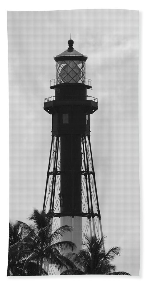 Landscape Hand Towel featuring the photograph Lighthouse In Black And White by Rob Hans