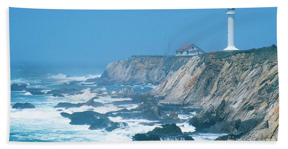Lighthouse Hand Towel featuring the photograph Lighthouse On The California Coast by Ronnie Glover