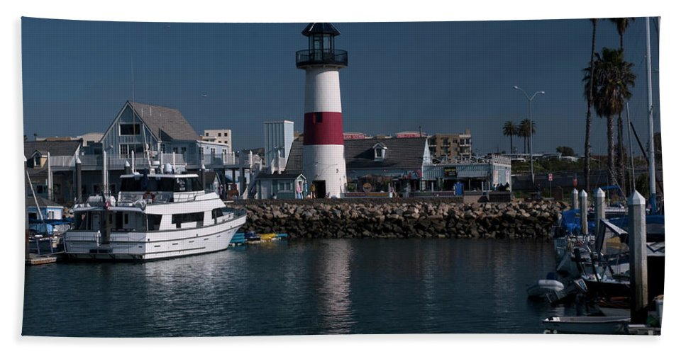 Oceanside Bath Sheet featuring the photograph Lighthouse by Rod Wiens