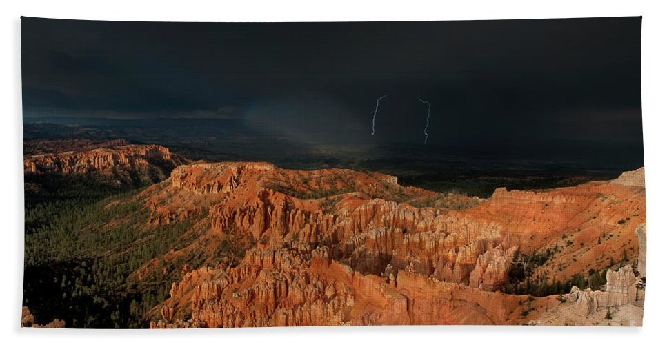 Dave Welling Bath Sheet featuring the photograph Lightning Rainbow Over Hoodoos Bryce Canyon National Park Utah by Dave Welling