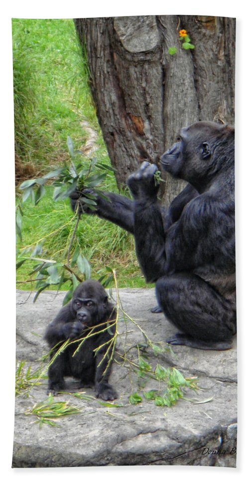 Gorrilla Bath Sheet featuring the photograph Like Mother Like Child by Donna Blackhall