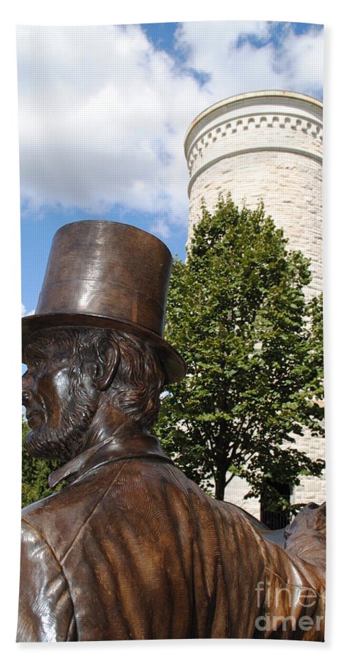 Lincoln Hand Towel featuring the photograph Lincoln At The Tower by Jost Houk
