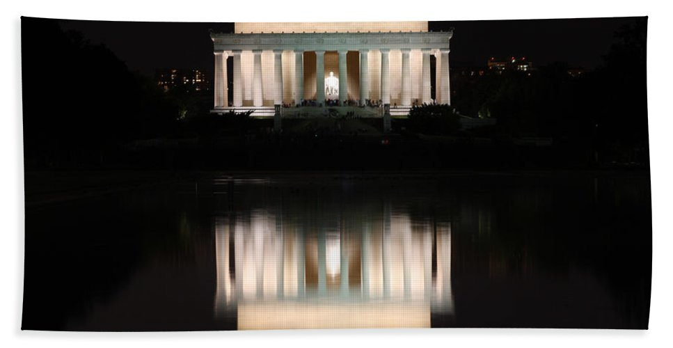Washington Dc Bath Sheet featuring the photograph Lincoln Memorial by Nancy Ingersoll
