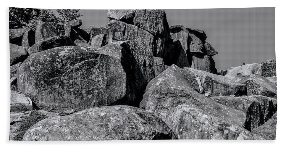 Gettysburg Hand Towel featuring the photograph Little Round Top Gettysburg by Tommy Anderson
